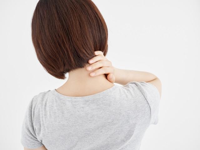 頸椎ヘルニア 女性
